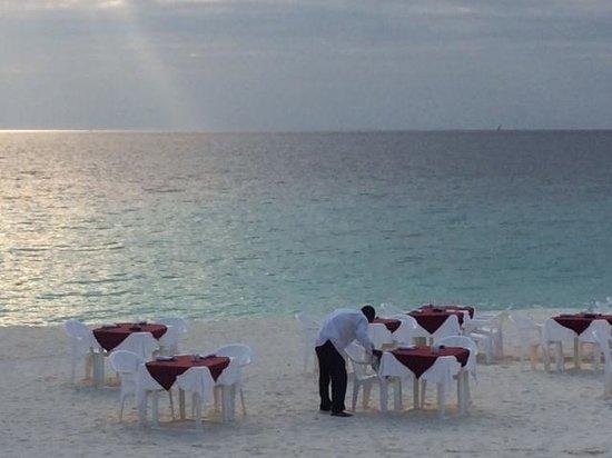 Royal Zanzibar Beach Resort: Dinner on the beach