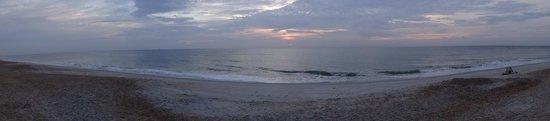 Hampton Inn & Suites St. Augustine - Vilano Beach: beach panoramic