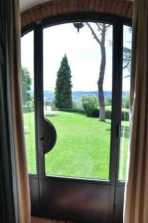 Villa I Barronci: View from our room and door to the garden