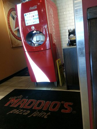 Uncle Maddio's Pizza Joint: Drink machine