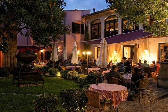 Trattoria y Pizzeria la Trencadora: Romantische Pizzeria in der Altstadt von Pollenca