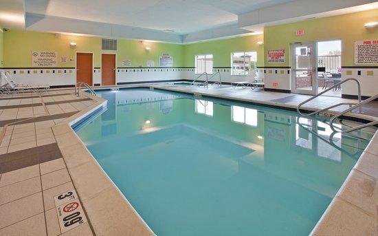 Fairfield Inn & Suites Grand Island : Pool