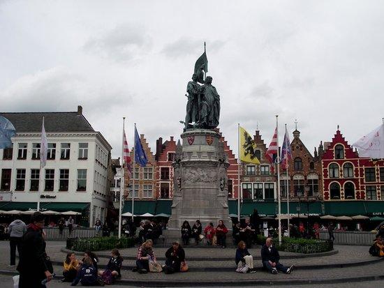 Grand-Place : Praça Markt.
