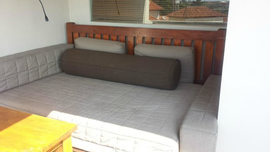 Ramayana Resort & Spa: Day bed on balcony