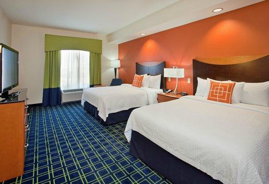 Fairfield Inn & Suites Grand Island : Two Queen Guest Room