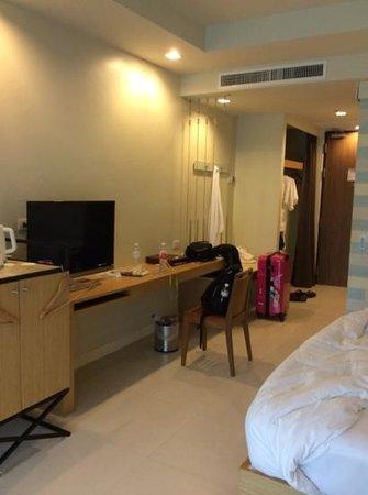 Holiday Inn Resort Krabi Ao Nang Beach: Desk