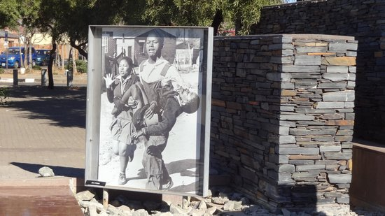 Felleng Day Tours : Hector Pieterson Memorial - a must see