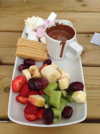 Choc Amor: Sharing platter £7.95, could easily eat it all myself :-D beautiful. And we got some freebies af