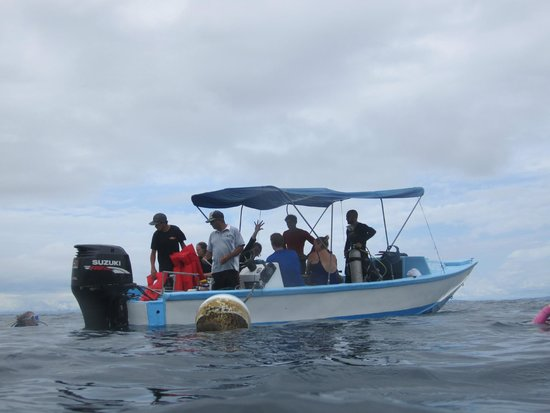 Costa Rica Dive and Surf: Costa Rica Dive & Surf dive boat