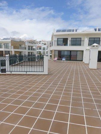 Cerro Mar Atlantico Touristic Apartments: Huge outside terrace