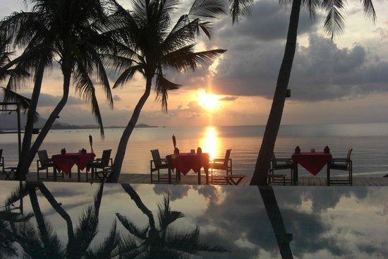 Tango Luxe Beach Villa : Coucher de soleil