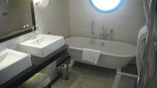 Gleneagles Hotel: Banheiro