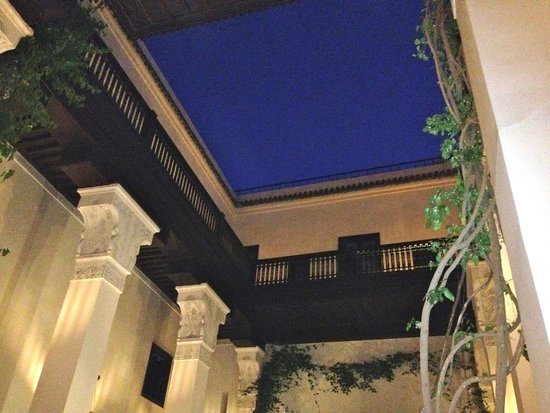 Riad Dixneuf La Ksour : Beautiful stars from the inside of road