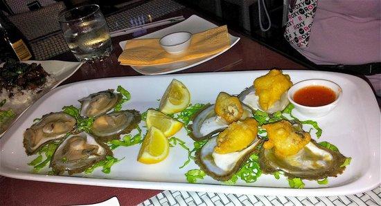 Oyster & Sushi Bar Bota: Huitres de Ston, crues et fried