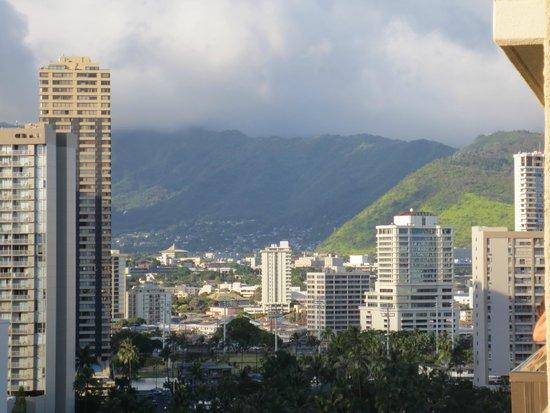 Hilton Hawaiian Village Waikiki Beach Resort: View from balcony, Tapa tower