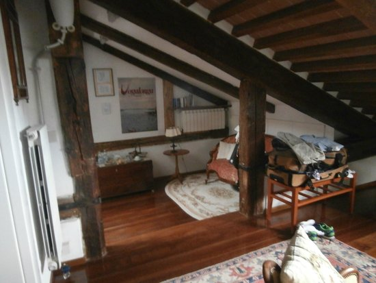Sandra B&B: the attic master suite