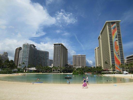 Hilton Hawaiian Village Waikiki Beach Resort: View of resort from across the lagoon