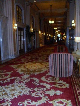 Willard InterContinental Washington: Hotel Lobby Corridor