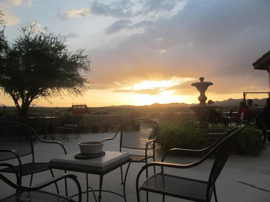 Stagecoach Trails Guest Ranch: coucher de soleil de mai
