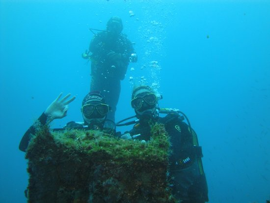 Alisios Sub Centro de Buceo: en los barcos undidos
