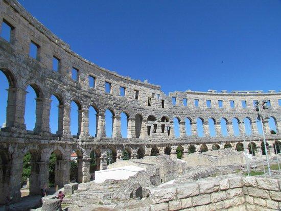 أوتيل سكاليتا: The magnificent Pula amphitheatre
