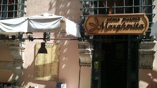 Osteria Pizzeria Margherita: вход