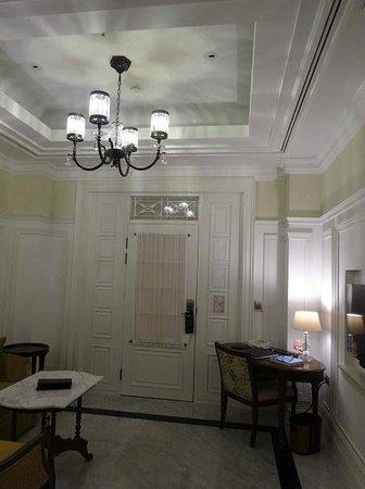 The Hermitage Jakarta: Study Corner