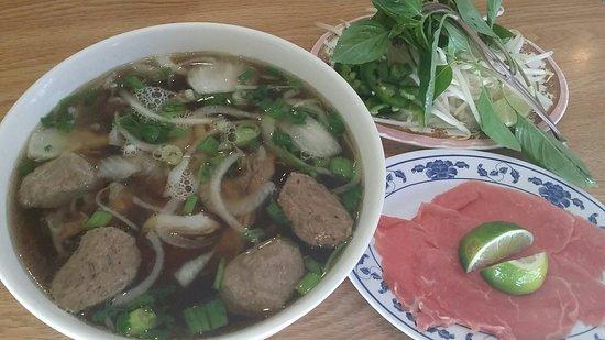 Pho Lee Hoa Phat II