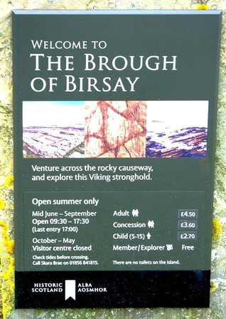 Brough Of Brisay: Parking lot pacard