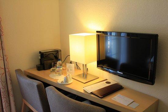 Hotel Testa Grigia : Coffee Machine and TV