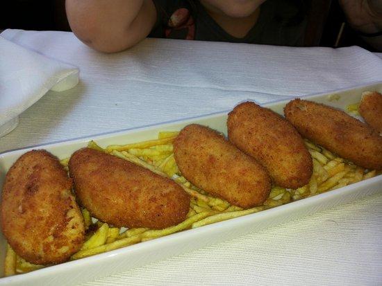 Restaurant Can Pini : Croquetas, correctas