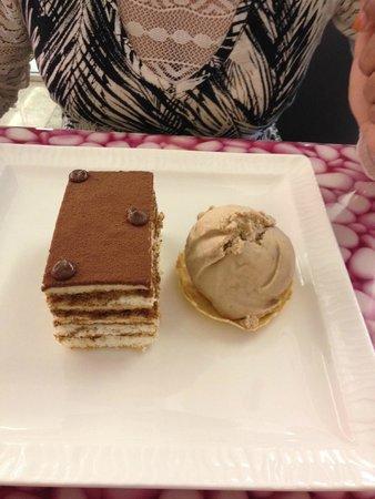 Al Ghurair Hotel: yummy ice cream