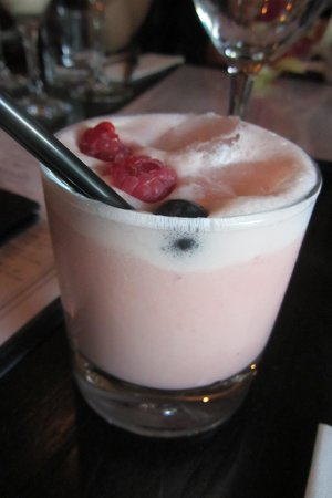 River Bar Steakhouse & Grill : Eton Mess Cocktail