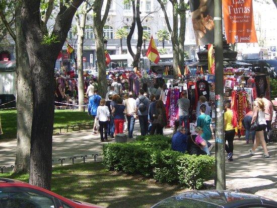 Hotel Paseo del Arte : Street Vendors