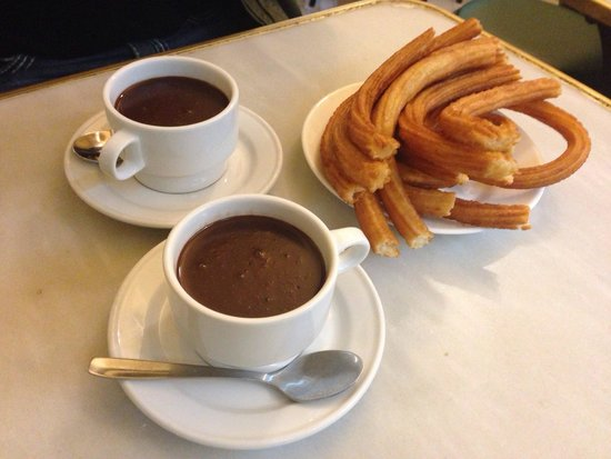 Chocolatería San Ginés: Churros and hot chocolate