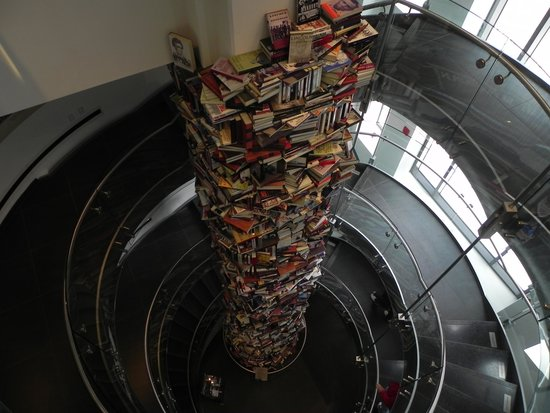 Ford's Theatre : 3-story tower of books written on Lincoln