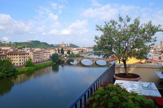 Antica Torre di Via Tornabuoni: View at breakfast