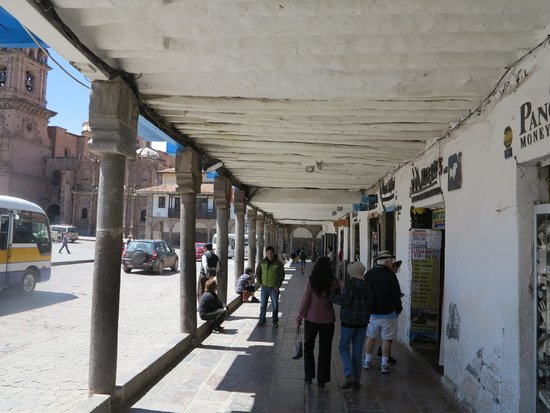 Plaza de Armas (Huacaypata): 3
