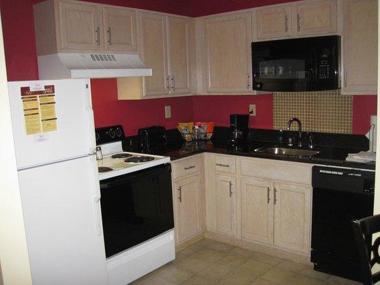Ashley Quarters Hotel: cool kitchen
