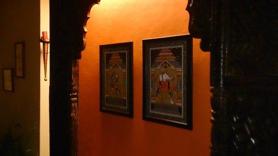 UNA Comfort Nandini: Painting