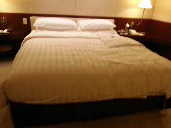 Shangri-La's Far Eastern Plaza Hotel Taipei : king bed