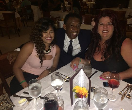 Grand Bahia Principe La Romana: With Manuel and Lisa at dinner