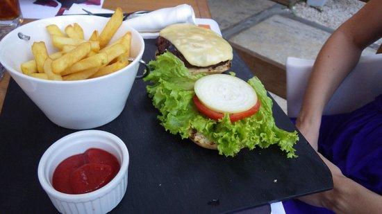 Citrus Restaurant: Hamburger