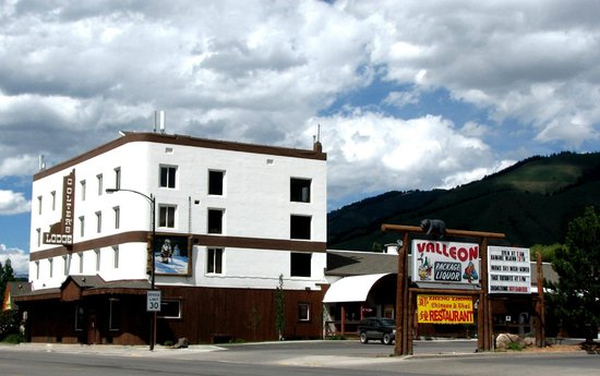 Colter's Lodge