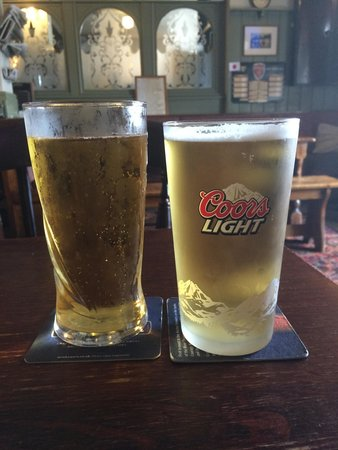 The Valley Hotel Bishopston: Thatchers Gold and Coors Light :)