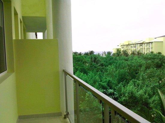 Now Jade Riviera Cancun: Esta es la que se considera vista al mar. Cuidado no se dejen timar. Y al reclamar dicen que no