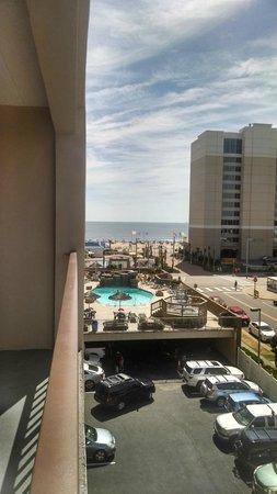 Rodeway Inn Virginia Beach: Balcony view of ocean