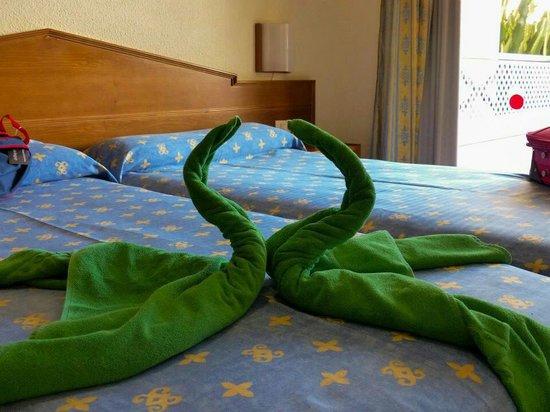 Aparthotel Parque de la Paz: Bedroom x