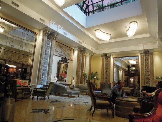 Grand Hotel Savoia: 素敵なパブリックスペース