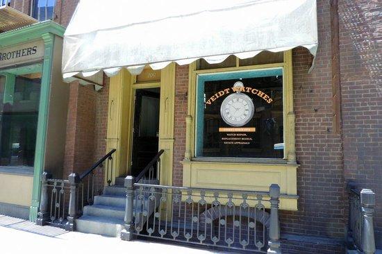 Warner Bros. Studio Tour Hollywood : Fortune Tellers building from Pee Wee's Big Adventure